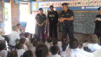 Visita a Escuela 117 Barrio Ceibal
