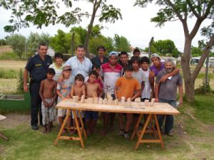 Visita a Proyecto Jóvenes INAU Bo.Don Atilio con el escultor en piedra Antonio Perillo