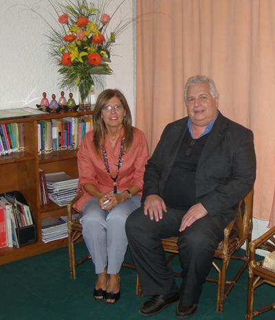 Maricha Arce junto al presidente de la Sociedad  Uruguaya de Sexología (SUS) Andrés Caro Berta