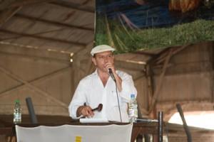 Francisco Cánepa rematando la producción de El Tereré ayer.