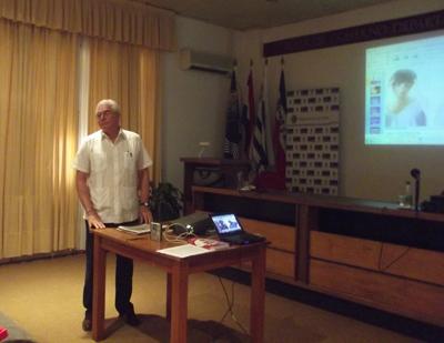 Dr.Uboldi en la presentación
