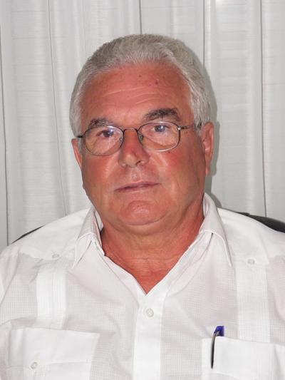 Dr. Carlos Uboldi carlosuboldi@gmail.com  www.fibrosanar.com   (099 390665) Reumatólogo, Fisiatra, Postgrado en Psiconeuroinmunoendocrinología, Diploma en Ciencias Biocognitivas, Docente en Universidad Católica y CLAEH en Fibromialgia.