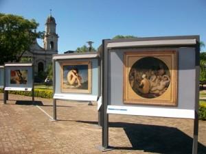 Muestra en Plaza Artigas 002