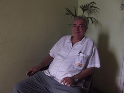 Con el doctor  ENZO ARCE Médico Fisiatra Atención en CAM y Ajupensal