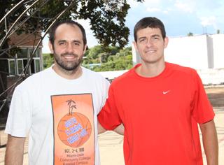 Valentin Luzuriaga y Sebastian Gonzalez los dos entrenadores de Salto Uruguay