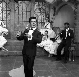 Pedrito Rico en su show. A la derecha un juvenil Rubén Rada, Canal 12, 1963.  3