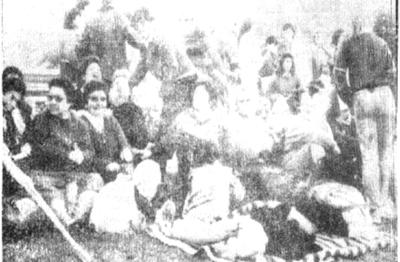 Un grupo numeroso de personas, sobre todo de jóvenes entusiastas e impacientes por ver al Papa Juan Pab lo II, adelantaron sus presencias en el Parque Mattos Netto, y  sobreponiéndose al sueño y a la espera, aguardaron la llegada del día y del Visitante, con cantos y oraciones en la noche.