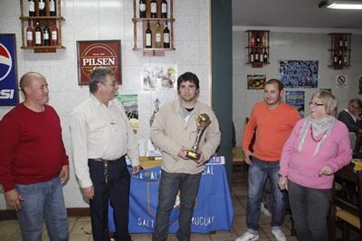Matías Sabarrós el jugador de Ferro Carril fue el goleador absoluto del campeonato salteño en la temporada 2012 – 2013. El máximo artillero de la disciplina en Salto, destacó, el trabajo y la producción de sus compañeros de equipo para que este logro fuera posible.