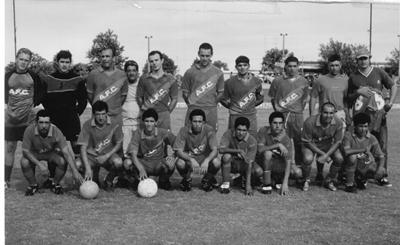 """Equipo de Albión, temporada 2004, cuando la institución consigue uno de los ascensos a la primera divisional """"B"""" del fútbol salteño. Luego lo haría nucvamente en el año 2010, divisional en  la cual permanece  hasta el momento."""