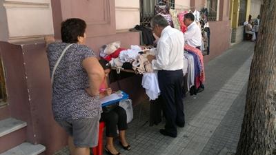 Una de las inspecciones callejeras realizadas ayer por Aduanas.