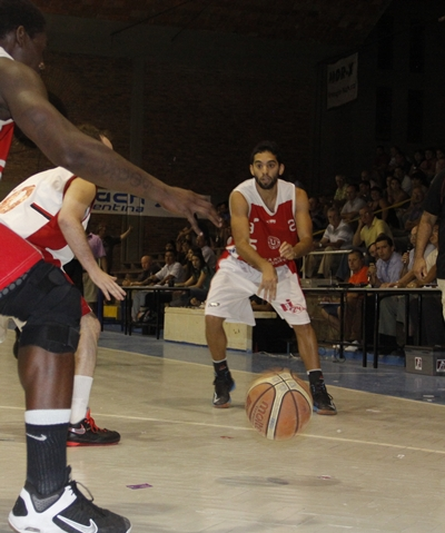 Andrés Martínez disputando una de las fianles por el Campeonato Salteño 2013