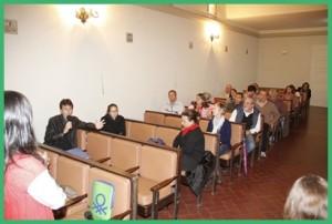Parte de los asistentes a la presentación del libro ayer.