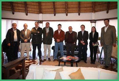 Integrantes de la cabaña, de los escritorios y del Banco Itaú en la conferencia  de prensa realizada en el marco de la Expo Prado