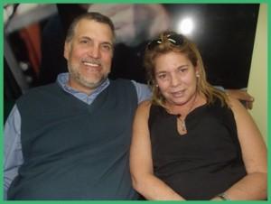 Sus hijos Guillermo y Cecilia.