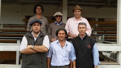 Arriba: Mauro Fernández, Carlos Paiva y Otto Fernández. Abajo: Otto Fernández Nystrom, Gerardo Xavier de Melo y Juan Felicio Trindade