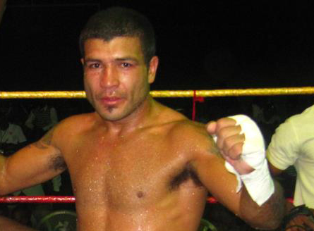 Sosa Pintos pasó por Inglaterra, ahora quiere pelear en Salto