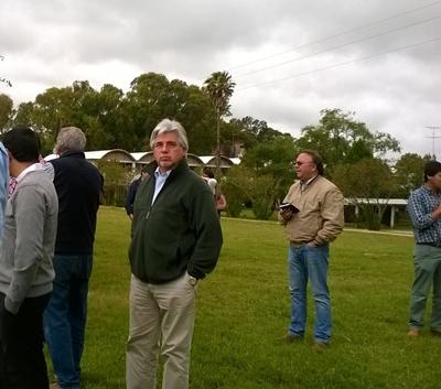 El Ministro Aguerre en el campo del SUL