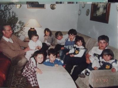 <p>Horacio con todos los nietos</p>