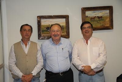 De izquierda a derecha del lector: Carlos Martín Correa, Roberto Bertsch, Martín San Román