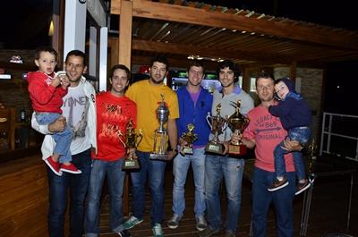 <p>El pasado día lunes en horas de la noche allí en local de VJ Costa, la Liga de fútbol Comercial premió, y reconoció a los mejores de la temporada 2014</p>