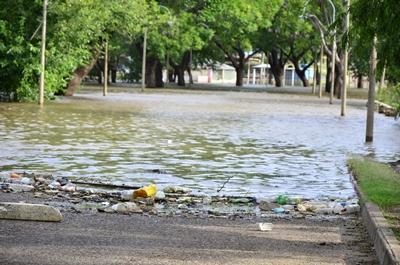 El río nos devuelve todas las inmundicias que le hemos arrojado