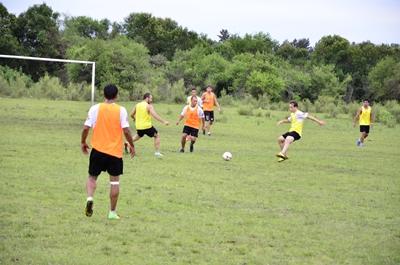 <p>Hoy la selección entrenará en el Estadio Dickinson, será su último entrenamiento  antes del inicio del campeonato de selecciones</p>