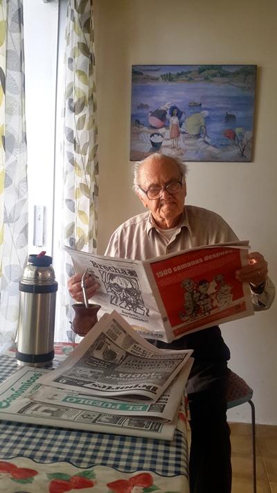 A sus 98 años sigue siendo un ávido lector