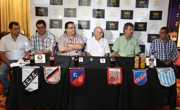 En la noche de ayer se llevó a cabo el lanzamiento oficial de la temporada 2015 del básquetbol a nivel local. En el registro gráfico,  (de izquierda a derecha): Jorge Castagnaro (ASEBA), Rodrigo Lagreca (Pte. L.S.B), Sergio Benítez (FUBB),  Dr. Luis A. Castillo  (Pte. FUBB), Ing. Andrés Piaggio (Pte. L.B.P), y Roberto Sevrini (Pte. Consejo de Formativas)