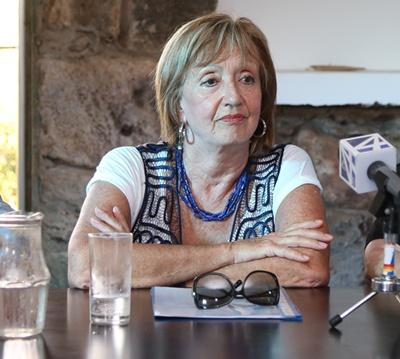 La Ministra de Educación llegó ayer a Salto en companía del Director Nacional de Cultura Sergio Mautone y la Directora de Centros MEC Claudia Rondán