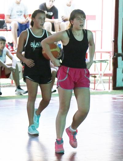 Agustina Sanchez y Macarena Pedrozo, dos de las integrantes del plantel femenino de Universitario