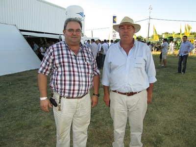 Emilio Gancedo (EL PUEBLO) con el Pte. de la Asociación Rural de Soriano