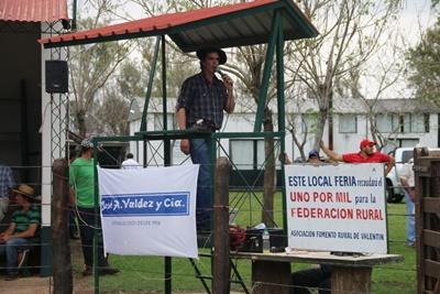 Alejandro Núñez rematando ayer en Valentín Foto: Virginia Michoelson