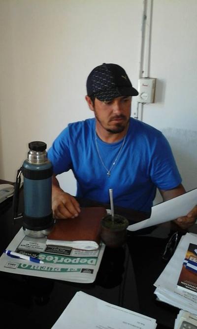 Alcalde Carlos Souto en su oficina