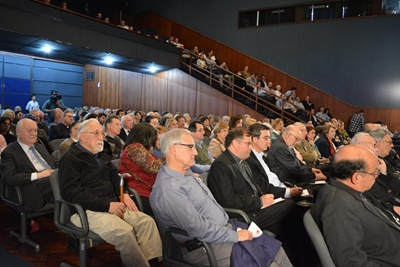 El público colmó el Salón Azul de la Intendencia de Montevideo