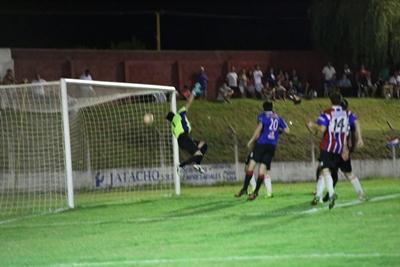 El gol de Fabio Rondan, para empatar el partido
