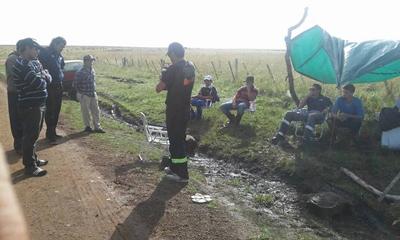 Parte de los muchachos de la villa acampados en Palomas en la lucha por un trabajo