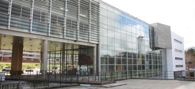 UDELAR sede central en Salto en calle Rivera y Misiones