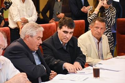 El Intendente de Salto con sus pares de Soriano,  Agustín Bascou y de Artigas, Pablo Caram