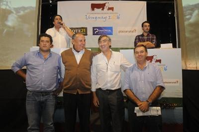Integrantes de Pantalla Uruguay, Plazarural y Lote 21 en el remate