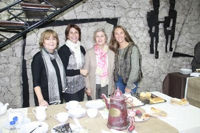 Marta Iriarte, Alicia Ruiz, Gabriela Invernizzi de Mazzilli y Mildred Prantl de Correa.