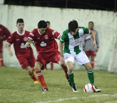 """José González para maniobrar, fue goleada de la """"U"""""""
