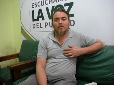 Roberto Romero en  la redacción de diario  EL PUEBLO