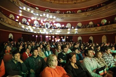 El Teatro Larrañaga colmado refleja el acierto de una iniciativa benéfica basada en la solidaridad