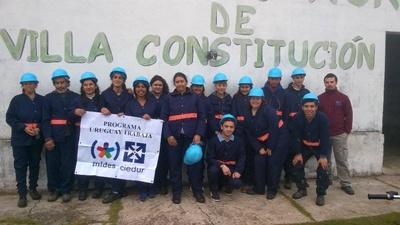 equipo de uruguay trabaja