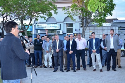 El intendente Lima dirigiéndose a los presentes