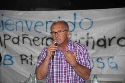 Richard Read en el local sindical de los trabajadores uruguayos de Salto Grande ayer