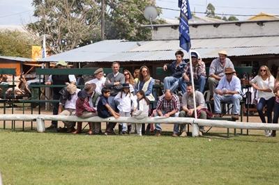 Público presente ayer en la Expo Salto
