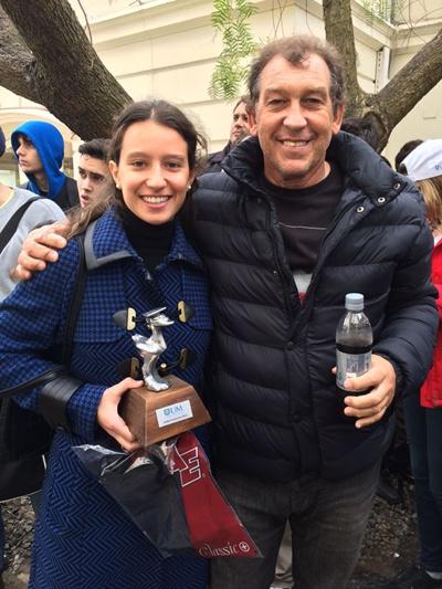 Inés Cánepa en el día de ayer recibió el premio a la mejor deportista del año de la UM. Sin dudas que este fue un gran año para la tenista salteña que en su momento fue destacada por EL PUEBLO como la mejor del año también. Ampliaremos.