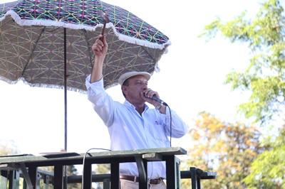 Francisco Cánepa en plena faena ayer en San Gregorio
