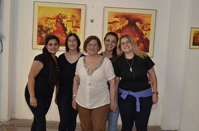 Teté junto a las alumnas del Instituto de Formación Docente de la Profesora y Maestra Roxana Hernández